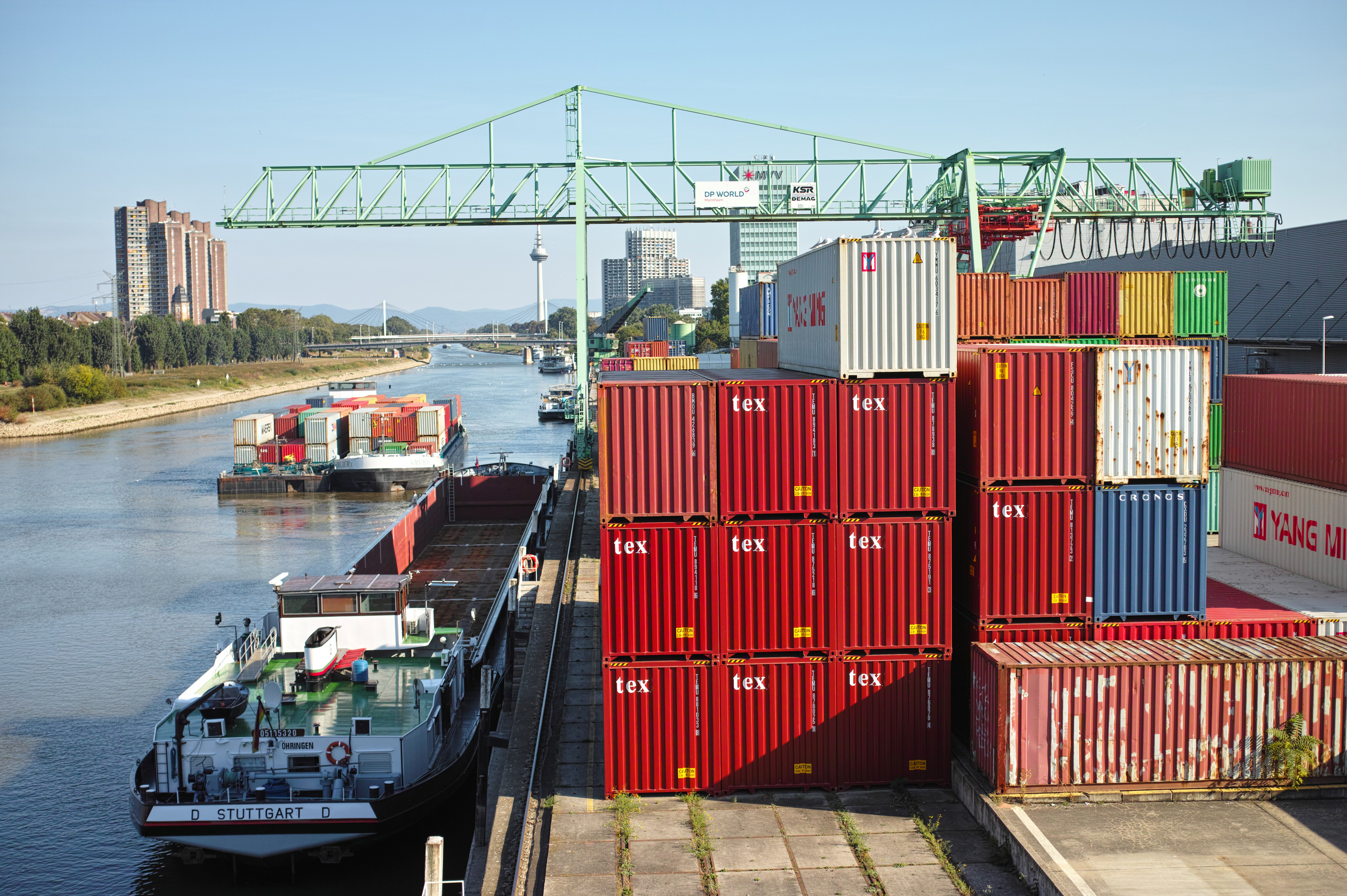 Association container port